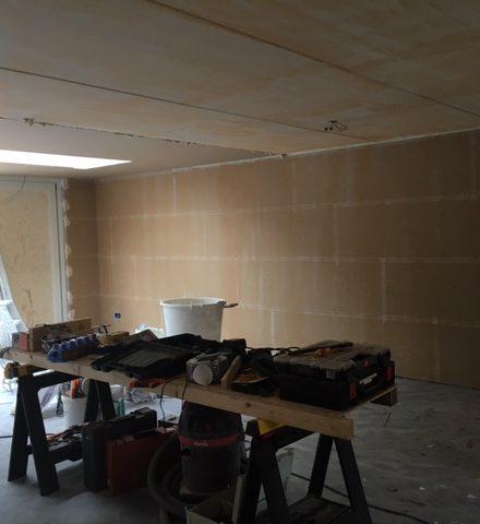 Voor & na stucwerk woning